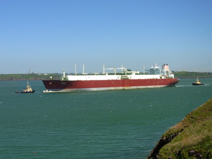 Pilot Boat Hits Shell-managed LNG Carrier, Three Crew Injured