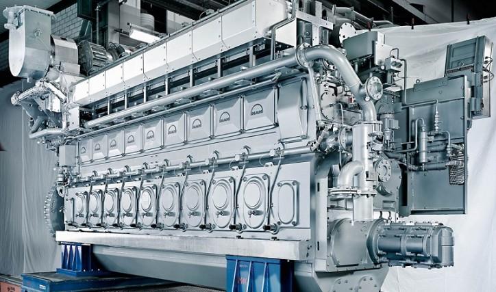 MAN 32/40 engine