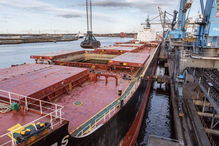 Super shipment for the Port of Tyne - Bulk carrier St Dimitrios delivers biggest cargo of wood-pellet ever handled at the Port
