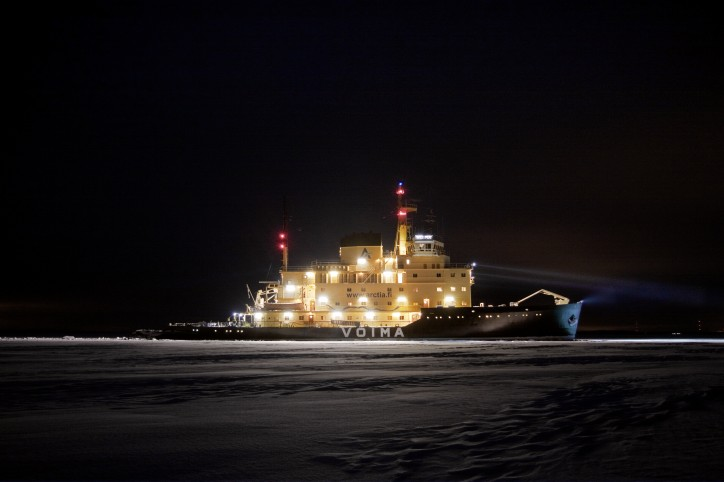 Icebreaker Voima heads to assist traffic in the eastern Gulf of Finland
