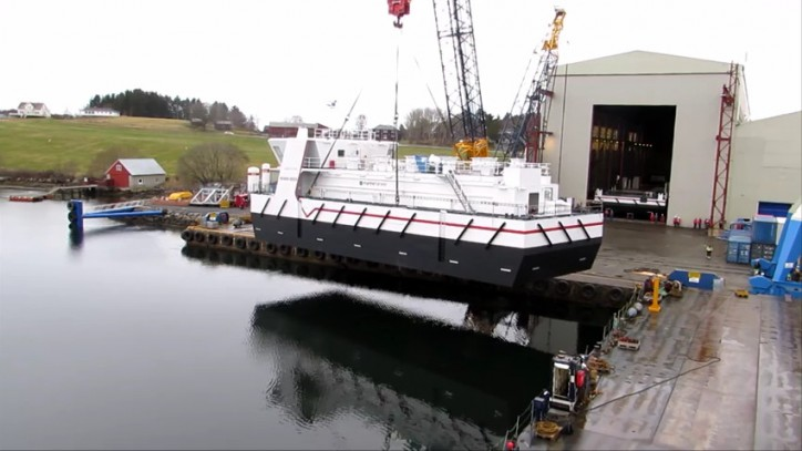 Video: Launching feeding barge for aquaculture industry
