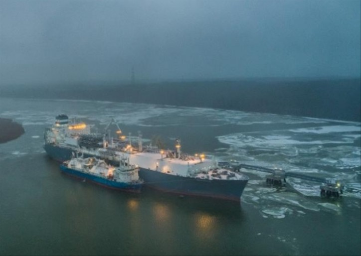 Vessel to service the LNG reloading station starts first operation in Klaipeda