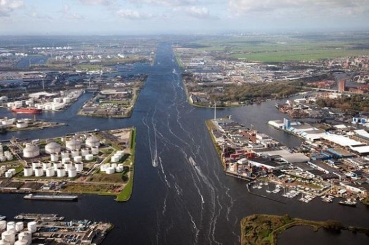 Transhipment at North Sea Canal ports hits record of 100 million tonnes