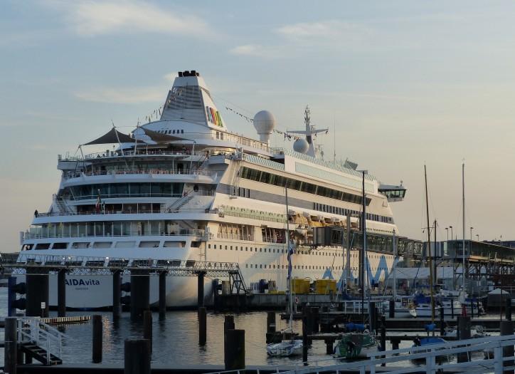 Kiel Port Posts Best Cruise Shipping Season Ever