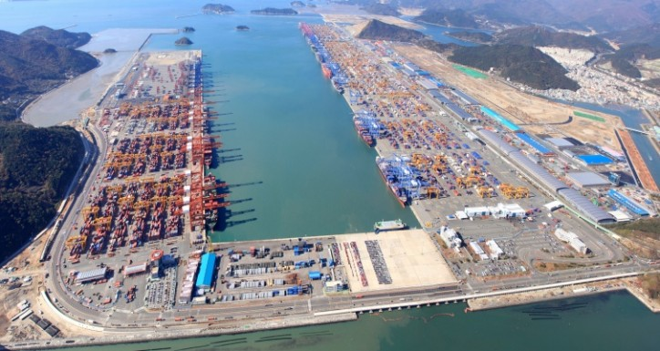 South Korea adds 15 berths to Busan port