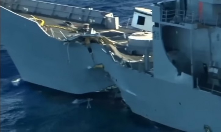RIMPAC 2016 participants sink former US Navy frigate (Video)