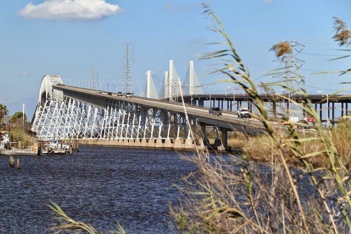 Neches River Traffic Restricted due to Sunken Boat