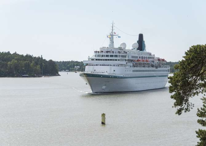 Two international cruise ships visits Turku on Monday 19th June