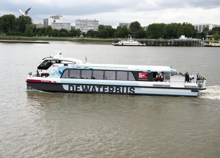 Aqualiner signs contract with Damen for three more Waterbus 2407 fast ferries