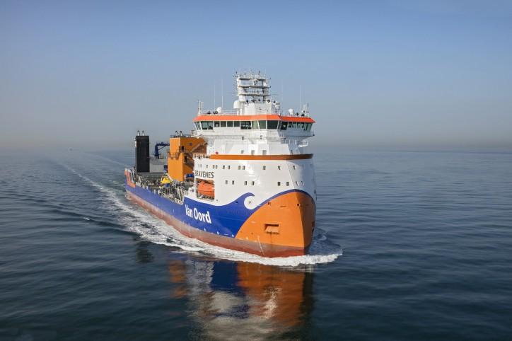 Van Oord marks 150th anniversary with christening of SRI vessel Bravenes