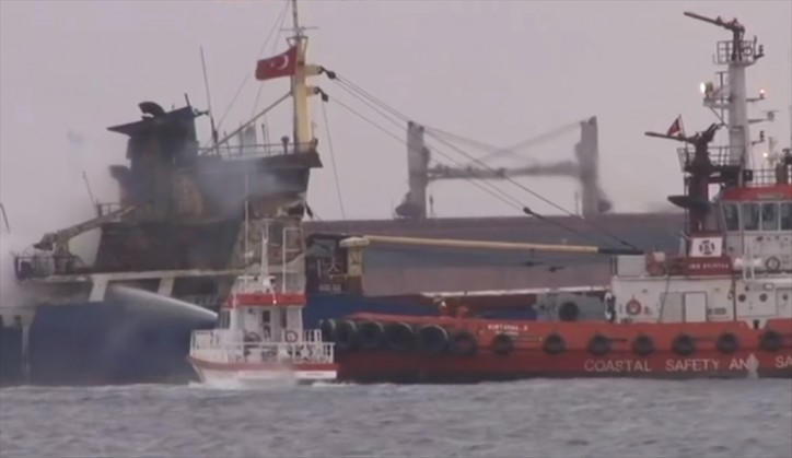 Fifteen crew members rescued after fire at cargo ship off Istanbul' southern coast (Video)
