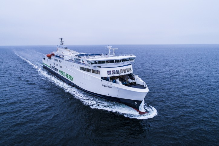 Scandlines' new hybrid ferry in operation (Video)