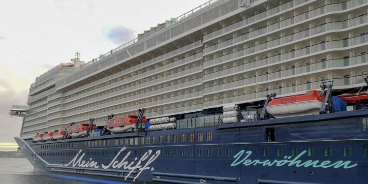 Kiel welcomes the TUI Cruises newbuilding