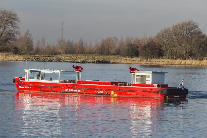 Damen delivers fireboat to Amsterdam Fire Department
