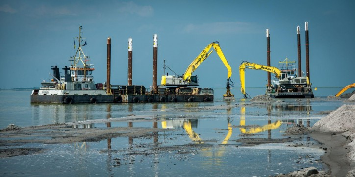 Boskalis To Reinforce Houtrib Dike In The Netherlands