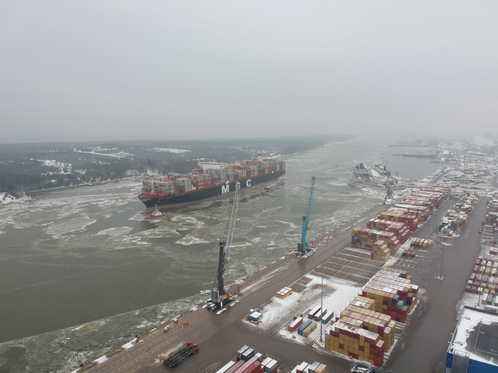 Klaipeda Seaport opened the gates to one of the largest vessels worldwide