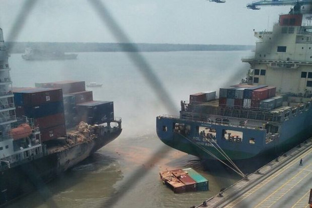 Two containerships collided in Port Klang, Malaysia