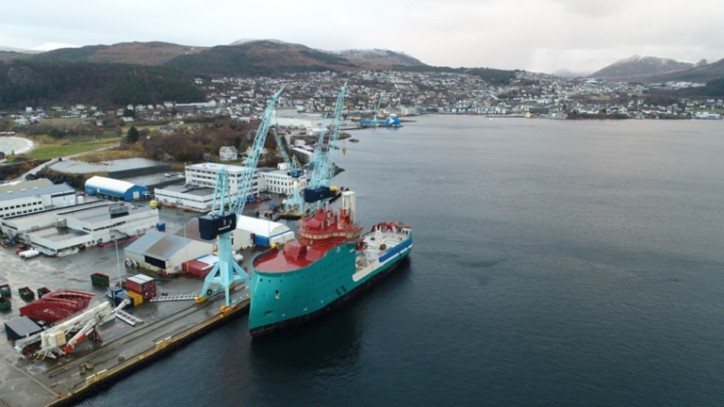 Acta Centaurus arrived at Ulsteinvik for final Construction phase