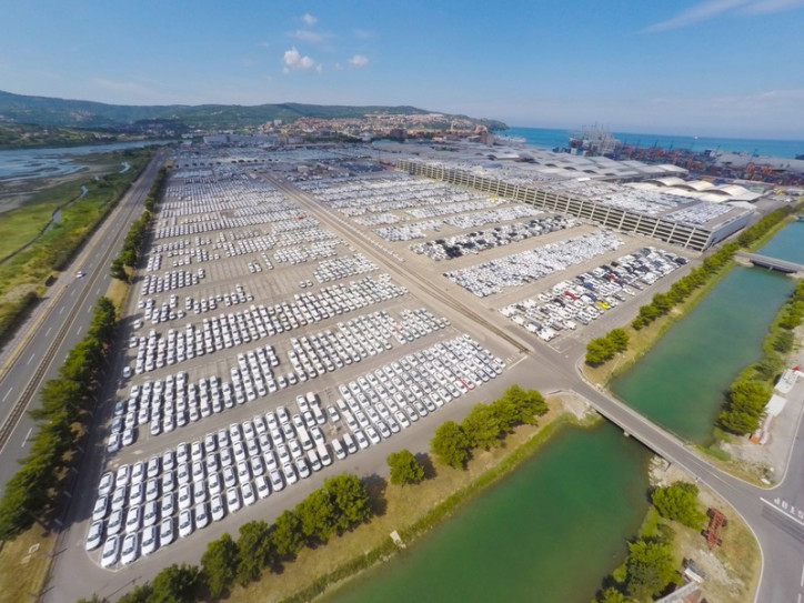 New Garage For Car Terminal at Port of Koper
