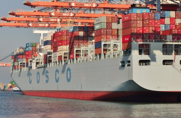 Cosco splits 20,000-TEU series order between three yards