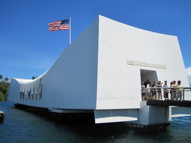 Visitors tours on USS Arizona Memorial suspended after docking incident