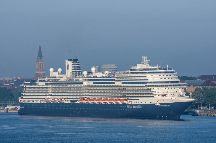 Nieuw Statendam makes a maiden call at Port of Kiel