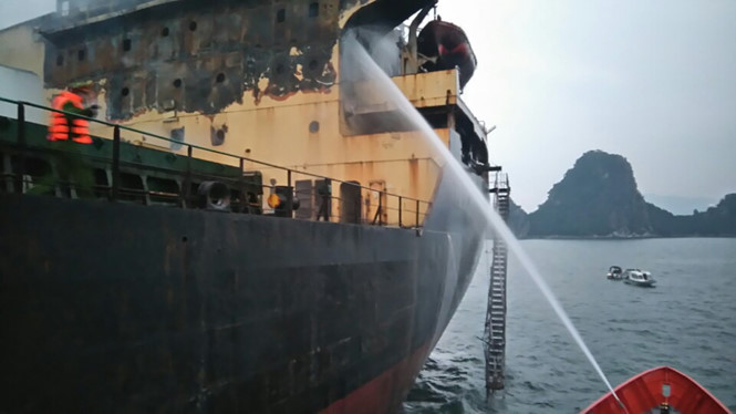 Bulk carrier South Star caught fire in Tonkin Bay, Vietnam