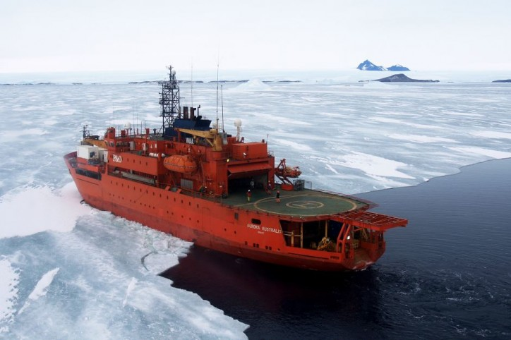 Icebreaker Aurora Australis runs aground at Mawson Station in Antarctica