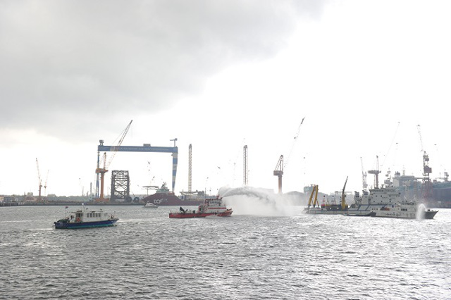 Malaysia and Singapore jointly conduct exercise to tackle a chemical spill at sea