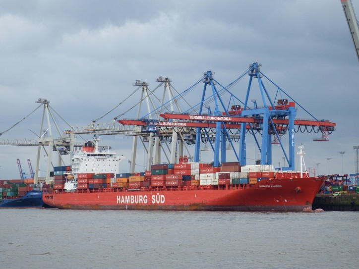 Hapag-Lloyd's vessel Spirit of Hamburg suffered an incident in the Panama Canal