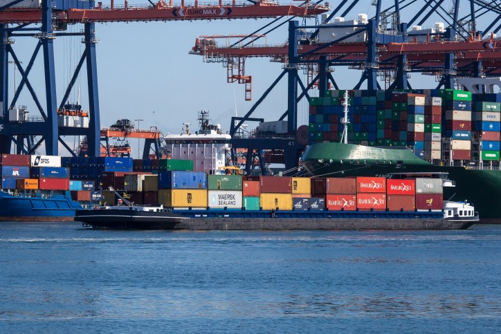 Inland shipping between Rotterdam and North Sea Port on the rise