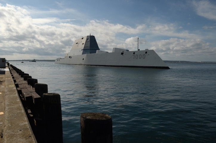 US Navy's Newest Stealth Warship USS Zumwalt Sidelined in Panama Following New Engineering Casualty