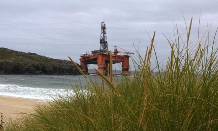 Update: Salvors to assess grounded Transocean drilling rig