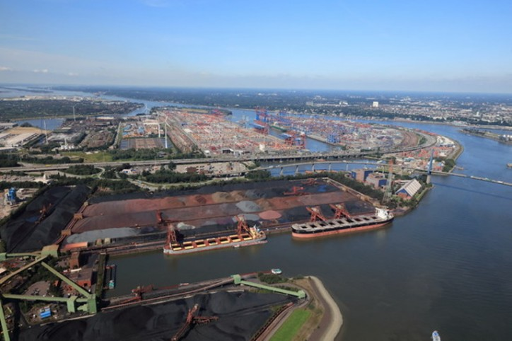 Port of Hamburg sets course for sustainable future with improved infrastructure and digitalization