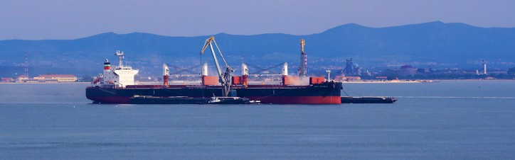 IMO: New warning on hazards of carrying bauxite by ship