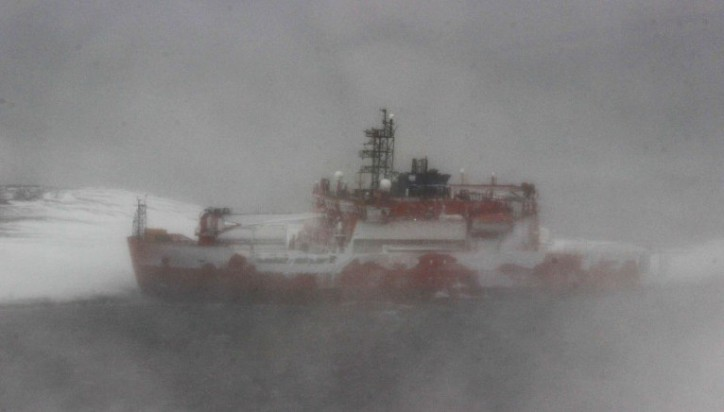Update: Aurora Australis stuck in Antarctica refloated, 68 aboard rescued
