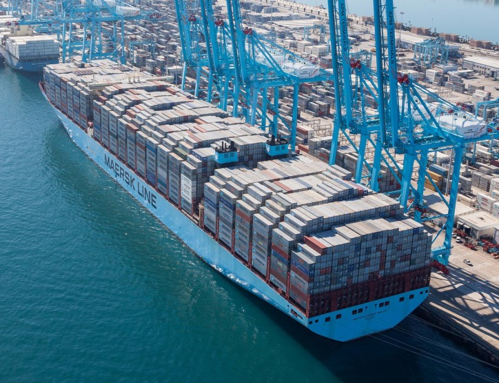 Drewry study warns of diminishing economies from megaships