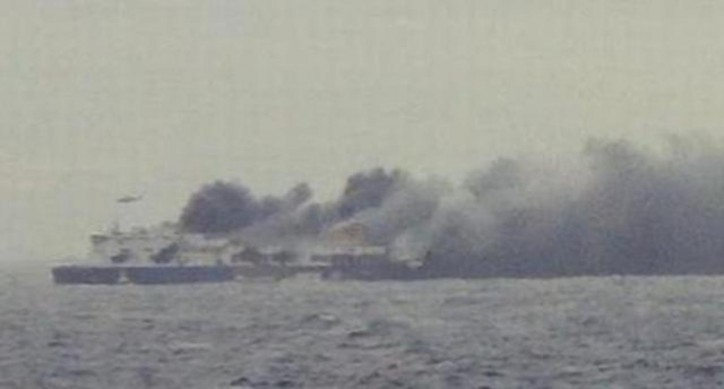 Airlift operation continues for hundreds passengers trapped on the burning ferry Norman Atlantic