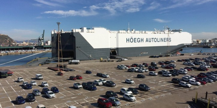 "Höegh wins ""Best Shipping Line of the Year RoRo – Breakbulk Operator"" in India"