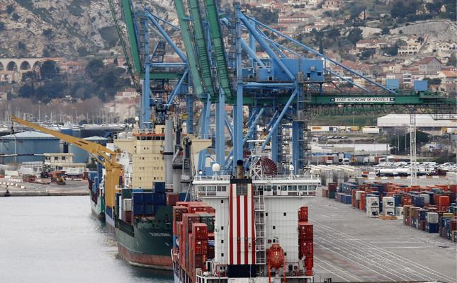 Marseille gets ready for the 20,000 TEU ships