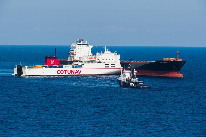 France and Italy begin cleanup for Mediterranean fuel spill after the collision between RoRo Ulysse and CLS Virginia (Video)