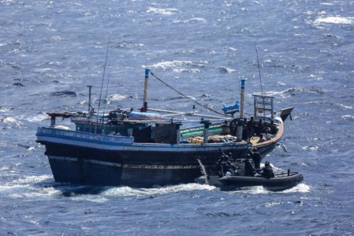 HMAS Darwin intercepts 952kg of drugs in the Middle East
