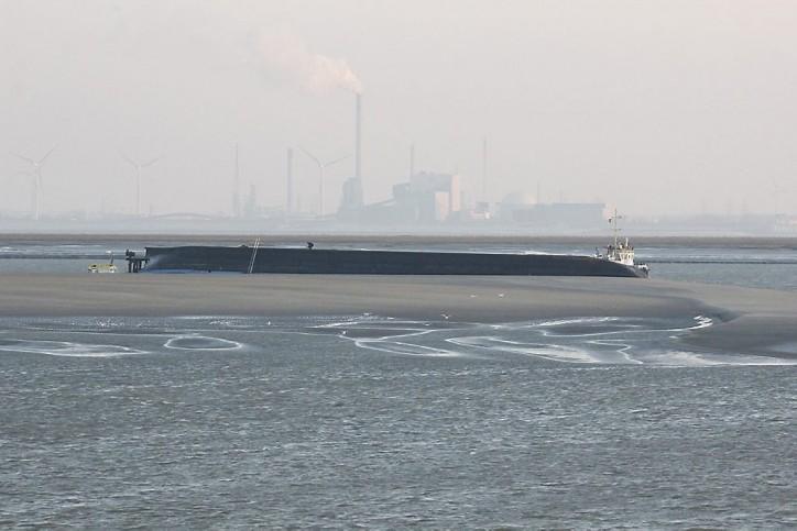 Barge Rick Capsized