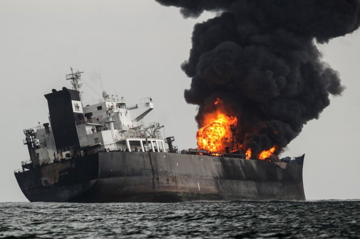 Massive fire on Pemex Oil Tanker Burgos in Gulf of Mexico; Crew safe (Video)