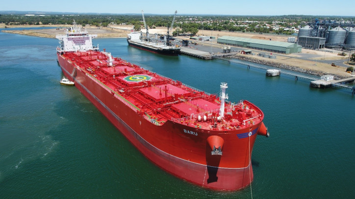 Klaveness CLEANBU MV Baru successfully made the first switch from wet to dry cargo