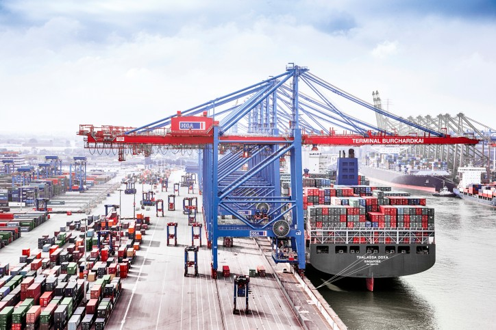 Hamburger Hafen und Logistik AG (HHLA) significantly increases its revenue and profit