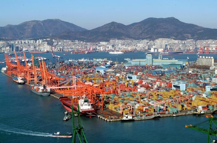Hyundai Merchant Marine's cargo processing at Busan Port hit record