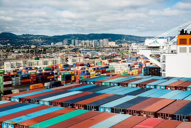 Port of Oakland sets all-time record for imports in a month