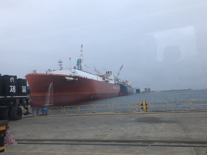 Spotted: Knutsen's 12th LNG carrier departs HHI shipyard