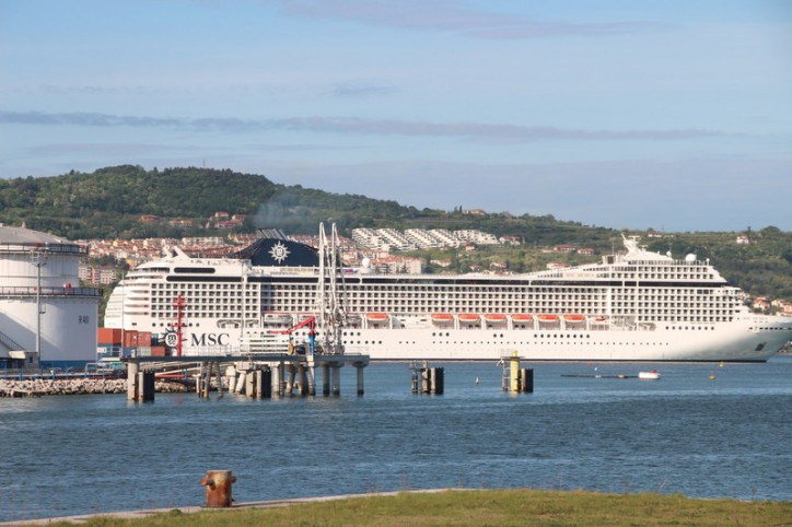 Passenger ship MSC MUSICA closes this year's cruise-ship season at Koper Port